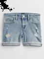 מכנסי ג'ינס קצרים בשטיפה בהירה עם סיומת קיפול / בנותמכנסי ג'ינס קצרים בשטיפה בהירה עם סיומת קיפול / בנות של GAP image №1