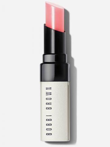 שפתון לחות עם גוון Extra Lip Tint - BARE PUNCH של BOBBI BROWN