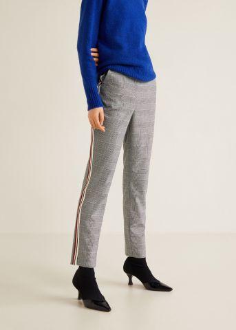 מכנסיים מחוייטים בהדפס משבצות עם פסים בצדדים של MANGO