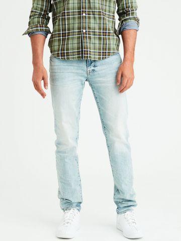 ג'ינס בגזרה ישרה Slim straight בשטיפה בהירה של AMERICAN EAGLE