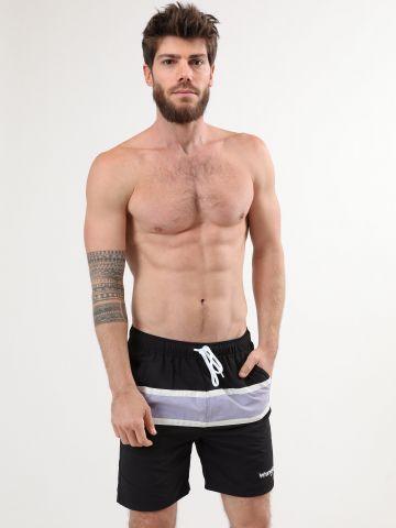 מכנסי בגד ים קולור בלוק עם לוגו של WRANGLER
