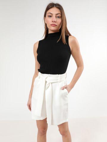 מכנסיים מחויטים קצרים עם חגורת קשירה של TERMINAL X