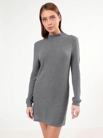 שמלת מיני פיקה עם שרוולים ארוכים של TERMINAL X