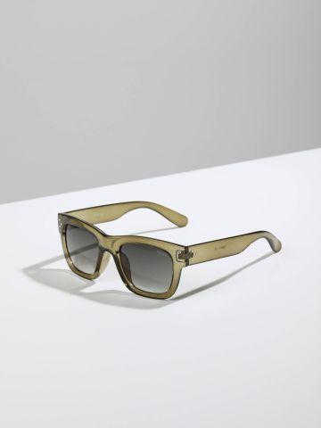 משקפי שמש מלבניים עם מסגרת פלסטיק Nice של TERMINAL X