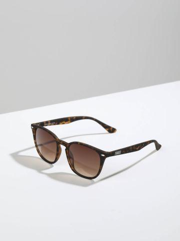 משקפי שמש מלבניים עם מסגרת בסגנון מנומר Brussels של TERMINAL X