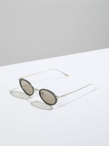משקפי שמש אובליים עם מסגרת פלסטיק Frankfurt של TERMINAL X