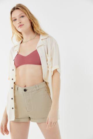 ג'ינס קצר עם קיפולים UO של URBAN OUTFITTERS