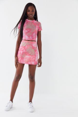 חצאית מיני טאי דאי UO של URBAN OUTFITTERS