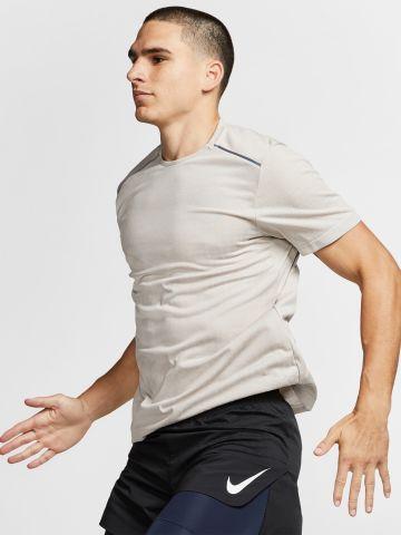 טי שירט ריצה גריד לוגו Tech Pack / גברים של NIKE