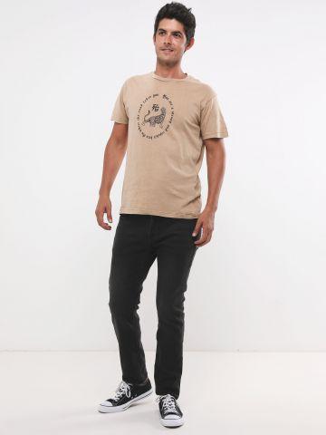 ג'ינס סקיני ארוך בשטיפה כהה של FOX