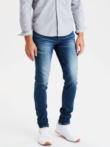 ג'ינס סקיני בשטיפה כהה עם הלבנה של AMERICAN EAGLE