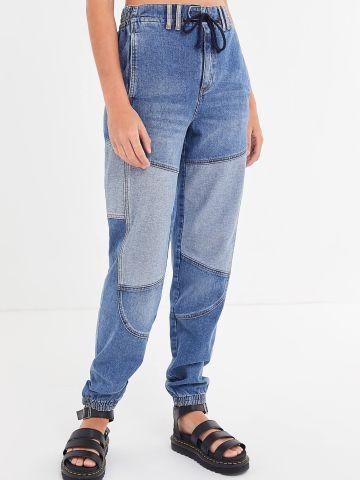 ג'ינס גבוה בשטיפה כהה עם פאצ'ים בהירים BDG של URBAN OUTFITTERS