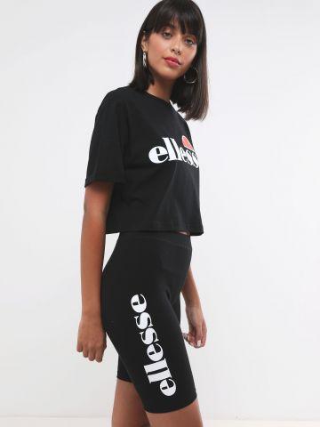 טייץ בייקר עם הדפס לוגו של ELLESSE