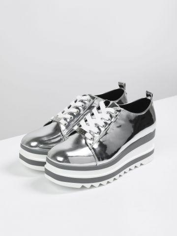 נעלי פלטפורמה מטאליות של STEVE MADDEN