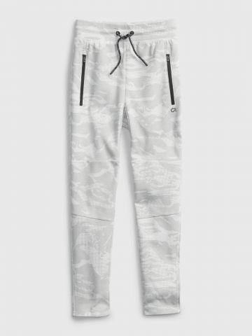 מכנסי טרנינג קמופלאז' עם כיסים / בנים של GAP