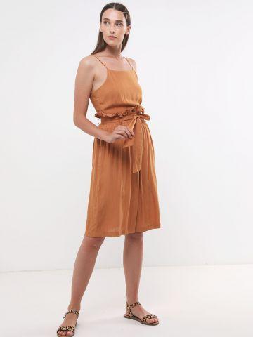 שמלת מידי עם מלמלה וחגורת קשירה של YANGA