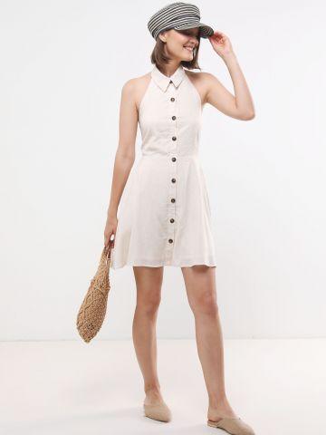 שמלת מיני עם כפתורים וקשירה בגב של YANGA