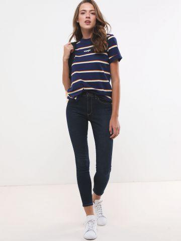 ג'ינס סקיני גבוה בשטיפה כהה של WRANGLER