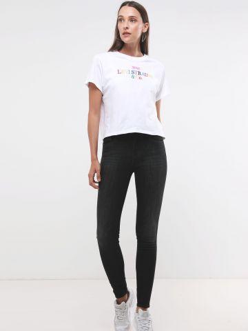 ג'ינס סקיני בשטיפה כהה של LEVIS