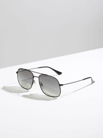 משקפי שמש מלבנים עם עדשות כהות של RAY-BAN