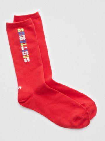 גרביים גבוהים עם הדפס כיתוב / נשים של AERIE