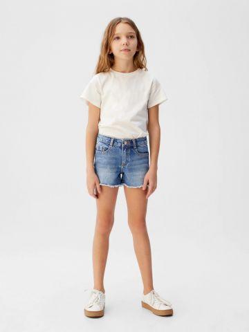 ג'ינס קצר עם סיומת פרומה של MANGO
