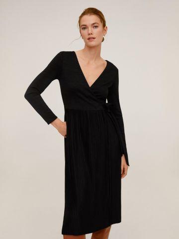 שמלת מעטפת עם חצאית פליסה של MANGO
