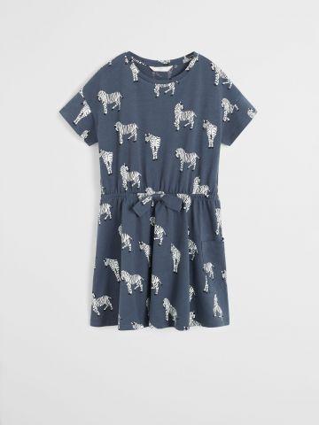 שמלת מיני עם שרוולים קצרים מכותנה אורגנית בהדפס זברה / בנות של MANGO