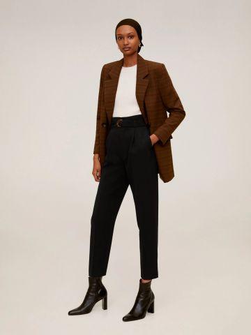 מכנסי קרפ מחויטים בשילוב חגורה של MANGO