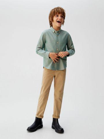 מכנסי צ'ינו בגזרה ישרה של MANGO
