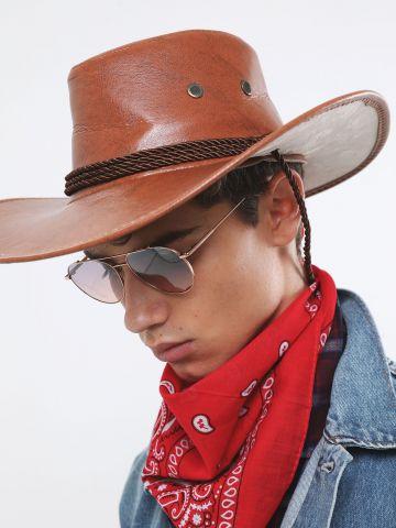 כובע קאובוי דמוי עור / תחפושות לפורום של TERMINAL X