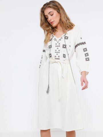 שמלת מיני גלבייה עם רקמה אתנית של TERMINAL X
