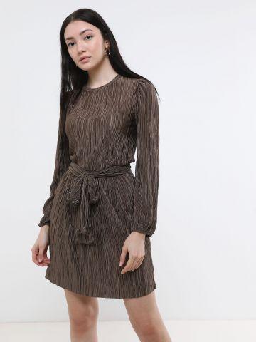 שמלת פליסה מיני עם שרוולים ארוכים של YANGA