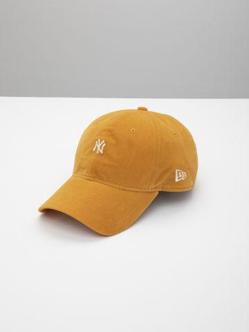 כובע מצחייה קטיפה עם לוגו 940 Neyyan של NEW ERA