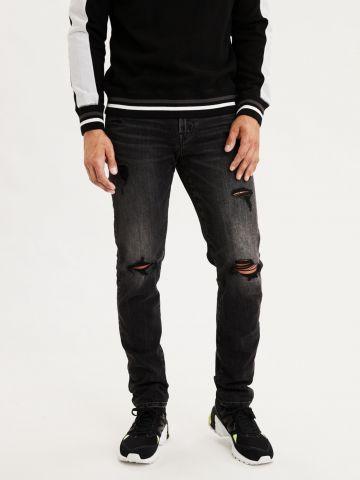 ג'ינס ווש עם קרעים Athletic של AMERICAN EAGLE