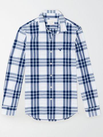חולצה מכופתרת בהדפס משבצות עם רקמת לוגו / גברים של AMERICAN EAGLE