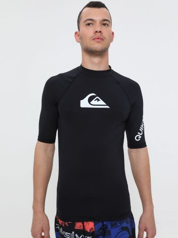 חולצת גלישה עם הדפס לוגו של QUIKSILVER