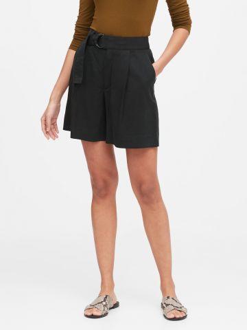 מכנסיים קצרים רחבים עם חגורת קשירה של BANANA REPUBLIC