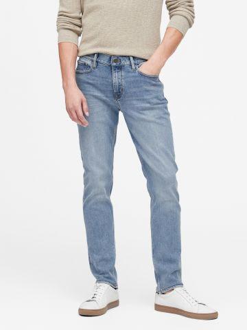ג'ינס סלים בשטיפה בהירה Slim של BANANA REPUBLIC