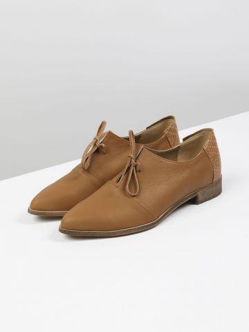 נעלי אוקספורד מעור עם שרוכים / נשים של YANGA