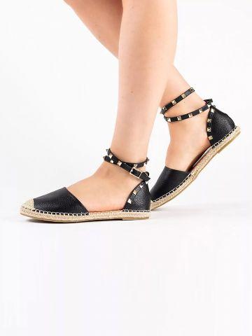 נעלי בובה דמוי עור עם ניטים של RAID