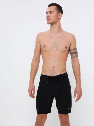 מכנסי בגד ים עם הדפס לוגו של QUIKSILVER