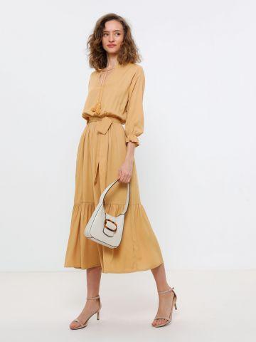 שמלת מקסי עם חגורה קשירה של YANGA