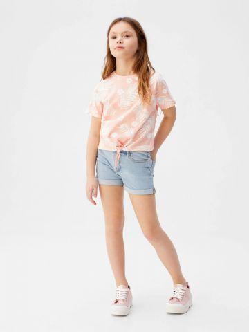 ג'ינס קצר בשטיפה בהירה של MANGO