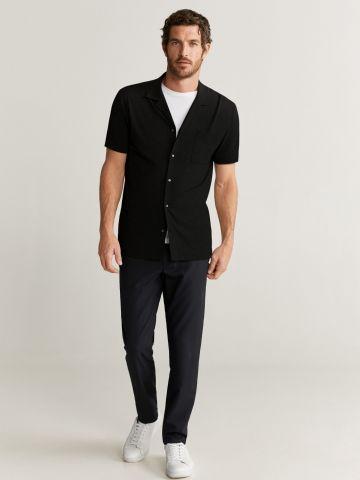 חולצה מכופתרת עם כיס ושרוולים קצרים של MANGO