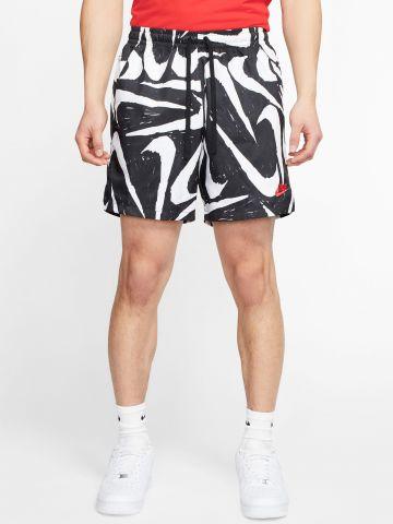 מכנסיים קצרים בהדפס לוגו של NIKE