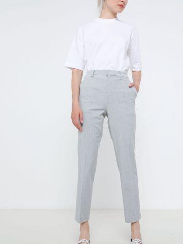 מכנסיים מחויטים בגזרה גבוהה של UNIQLO