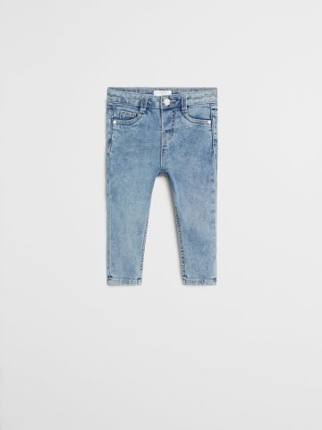 ג'ינס Slim עם כיסים / 9M-4Y של MANGO
