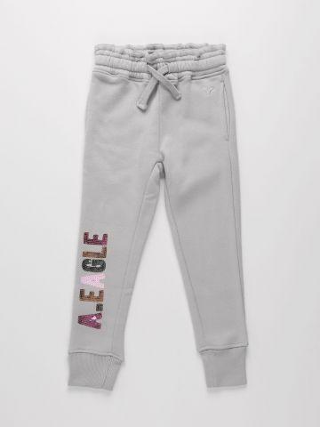 מכנסי טרנינג ארוכים עם רקמת לוגו בשילוב פייטים / בנות של AMERICAN EAGLE