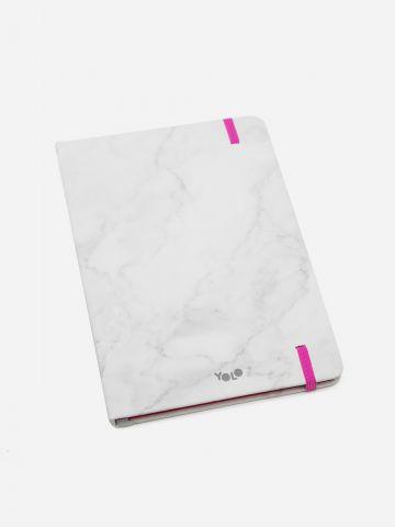 מחברת בהדפס מארבל של YOLO